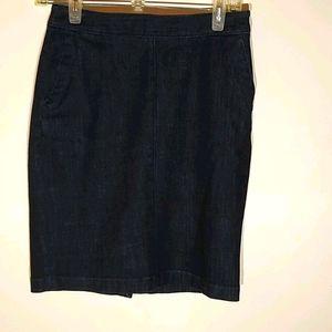 Women's Banana Republic petite denim skirt size 0